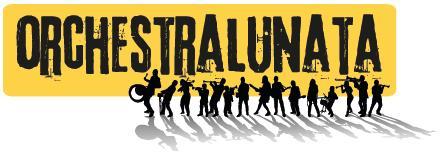 Musica dai Balcani in piazza di Spagna. Bambini che giocano con note lontane e ritmi forsennati