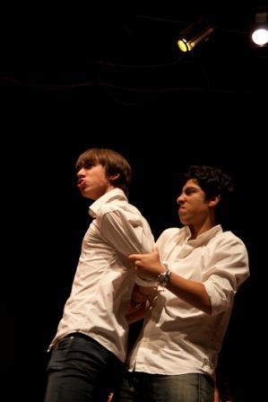 'Per un pugno di bulli', uno spettacolo degli studenti dell'Istituto G. G. Visconti