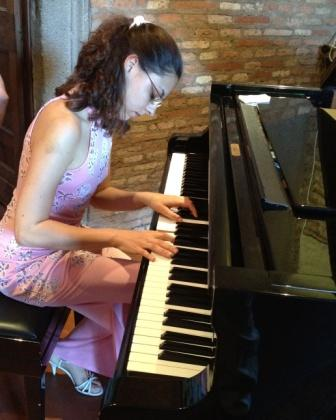 La pianista Noemi Görög alla Sala Rubinstein di Roma