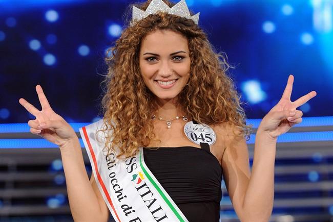 Giusy Buscemi conquista il titolo di Miss Italia 2012