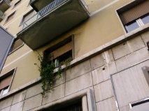 Ancora vasi collocati senza sicurezza sui balconi del IV municipio