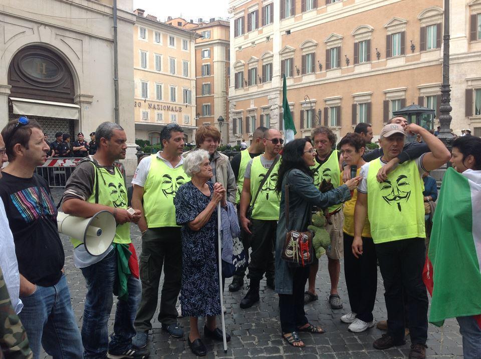 Catena Umana Intorno al Parlamento Italiano