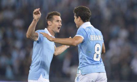 La Lazio batte il Milan e vola con i suoi campioni