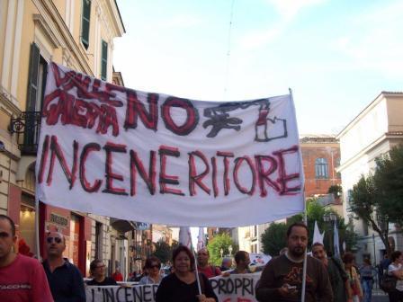 Corteo Cittadino No Inc. Tutti uniti contro discariche e inceneritori