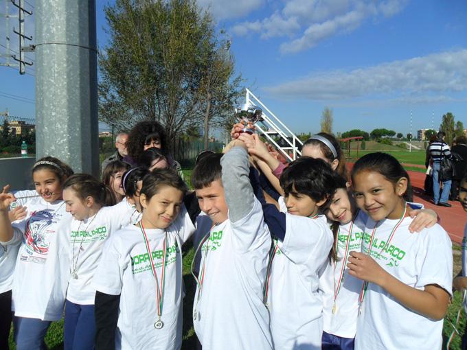 L'elementare Madre Teresa di Calcutta vince il XVI Trofeo Interscolastico 'Corri per il Parco'