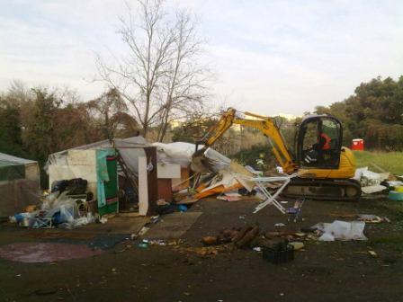 Sgombero di un campo abusivo nel XVIII municipio