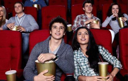 'Lo spettacolo per i giovani': sconti e riduzioni su cinema e teatro