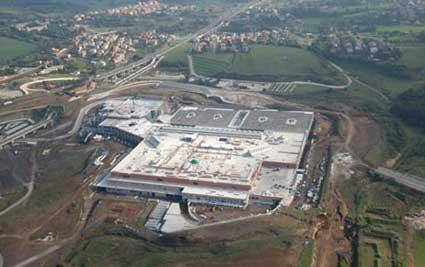 Il centro commerciale roma est for Centro convenienza arredi roma est