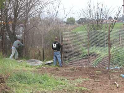 Alzata la recinzione di due metri sull'area dello scempio a Tor Tre Teste