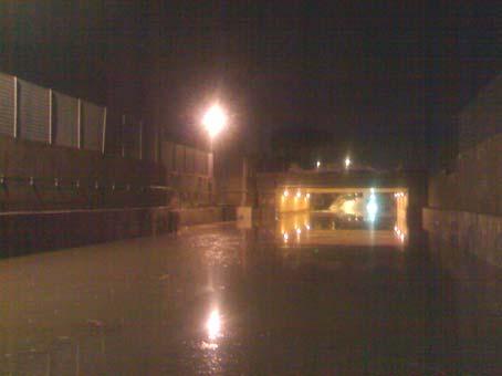 La Rustica: allagato da 2 metri d'acqua il sottopasso ferroviario