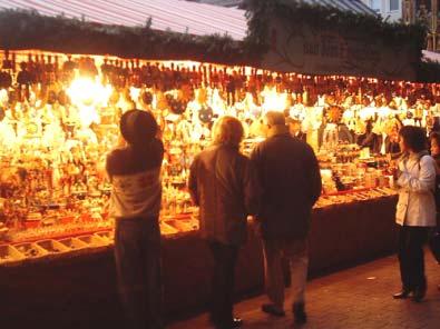 Il piano per lo shopping di Natale: trasporti potenziati e Ztl prolungata