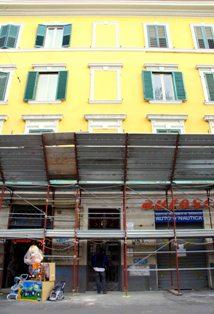 Terremoto, a via Doria trovate crepe su palazzo