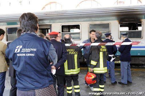 Incendio treno regionale a Roma Termini