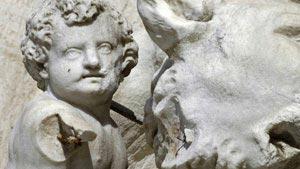 La statua di Romolo ha perso un braccio