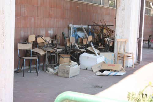 Il degrado della scuola Salvo D'Acquisto a Tor Sapienza