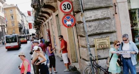Proposta per il limite di 30 km/h nel centro di Roma per ridurre incidenti ed inquinamento