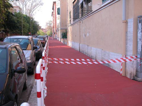 Pista ciclabile in via Prenestina Vecchia… ma siamo su Scherzi a Parte?