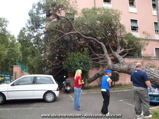 Tragedia sfiorata nella sede del Municipio di Roma 7