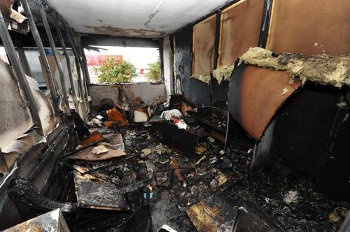 Incendio in uno stabile occupato in via Collatina
