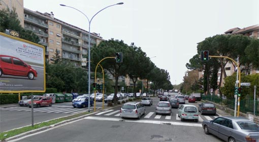Viale dei Romanisti all'atezza dell'incrocio con via Calidio e via Ermanno Ponti