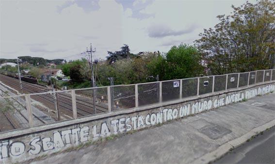 Cancellata la scritta che deturpava l'ingresso della città del cinema