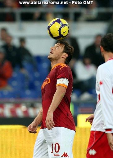Super Totti rilancia la Roma