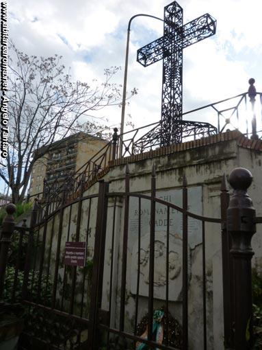 Il monumento dei caduti 1915-1918, in ritardo, ma è stato ripulito