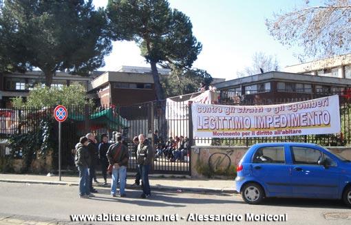 Occupata la scuola Tommaso Grossi a Centocelle