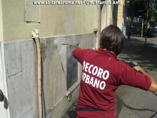 Scattata l'operazione antigraffiti nei viale Regina Margherita e Regina Elena