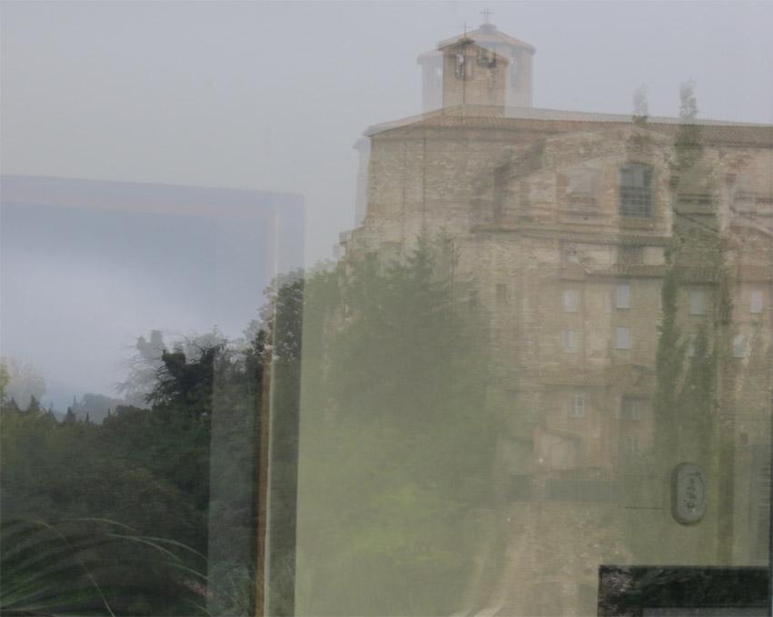 Riflessi a Perugia - foto di O. Ciurnelli