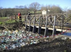 Un tratto inquinato del fiume Almone