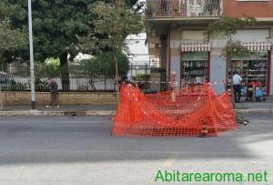 Voragine avvallamento via Renzo da Ceri transennata
