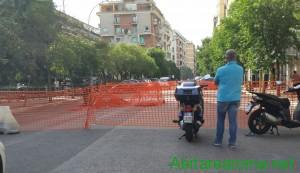Voragine avvallamento via Renzo da Ceri transennata1
