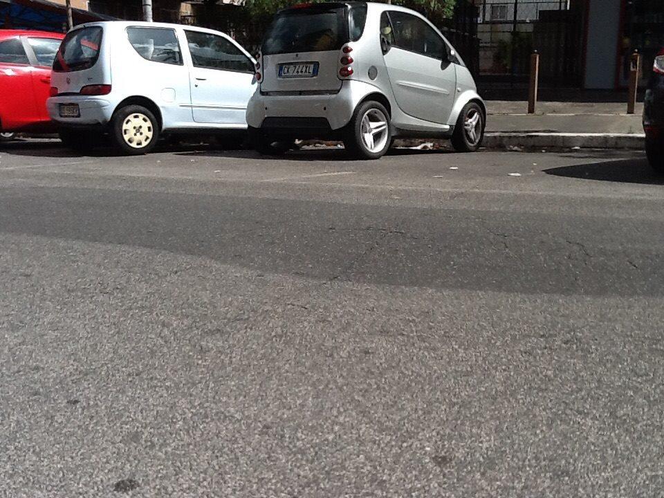 Voragine avvallamento via Renzo da Ceri
