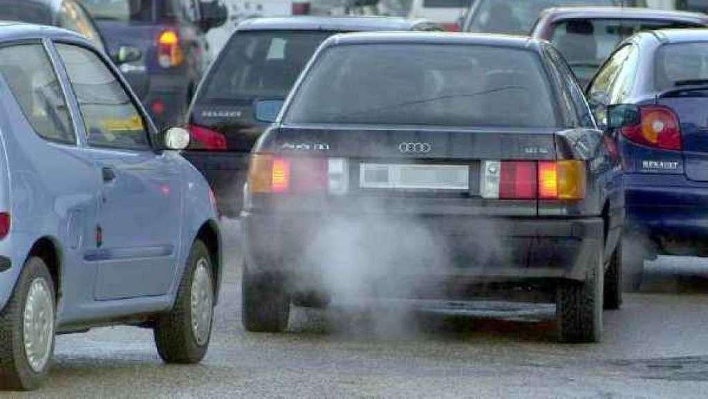 Risultati immagini per inquinamento automobilistico