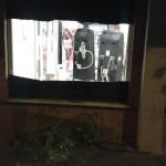 Serranda forzata Bar Simone Tor Tre Teste vetri rotti