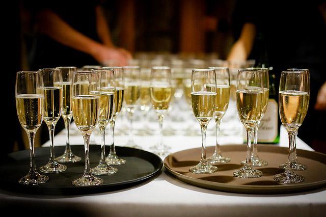 Decorazioni Sala Per 18 Anni : Nato nel buon compleanno di anni ecco come festeggiare